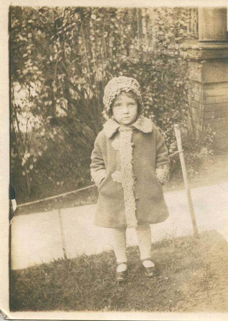 Elizabeth June Manning Harper(1)